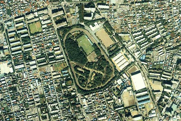 An aerial view of Baji Koen, managed by the Japan Racing Authority, in 1989.