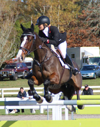 Bates CCI2* Championship winner, and winning New Zealand Young Rider team member Bonnie Farrant jumps clear on Kaipara Dior.