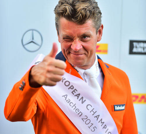 World Jumping champion Jeroen Dubbeldam, who just a few days ago won individual and team gold at the FEI European Jumping Championships 2015 in Aachen (GER), was the Reem Acra Best Athlete 2014. The Dutchman is urging everyone to place their nominations for the awards  before midnight on August 28.