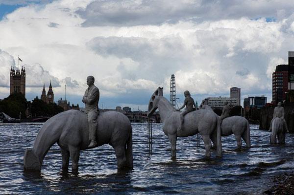 horse-sculpture-2