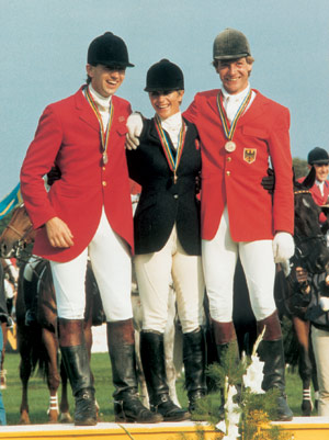 The three individual medal winners of 1987 in Luhmühlen: Ian Stark, Virginia Leng and Claus Ehrhorn.