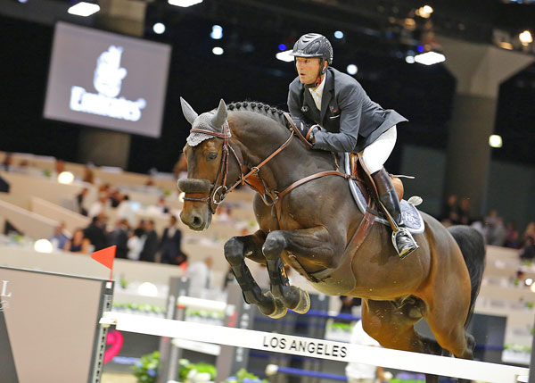 Patrice Delaveau and Lacrimoso 3 HDC took out thePrix Emirates CSI5*, one of only two riders to make it through to the jump off.