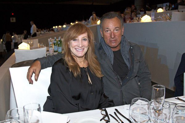 Patti Scialfa and Bruce Springsteen, parents of showjumper Jessica Springsteen, at the Longines Masters of Los Angeles on John Whitaker and Argento receive their prize for taking out the Prix Airbus on Friday. .