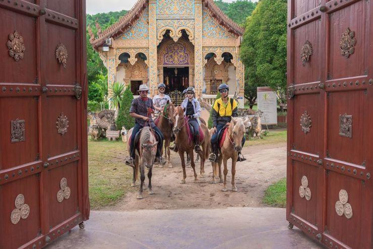 Horse-riding-Chiangmai-Thailand