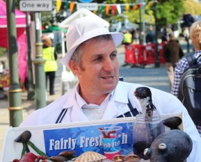 Fairly Fresh Fish and his pop up fish, street entertainers, see video below.