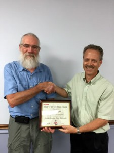 Gregory Scott receiving 2015 Horticulture Service Award