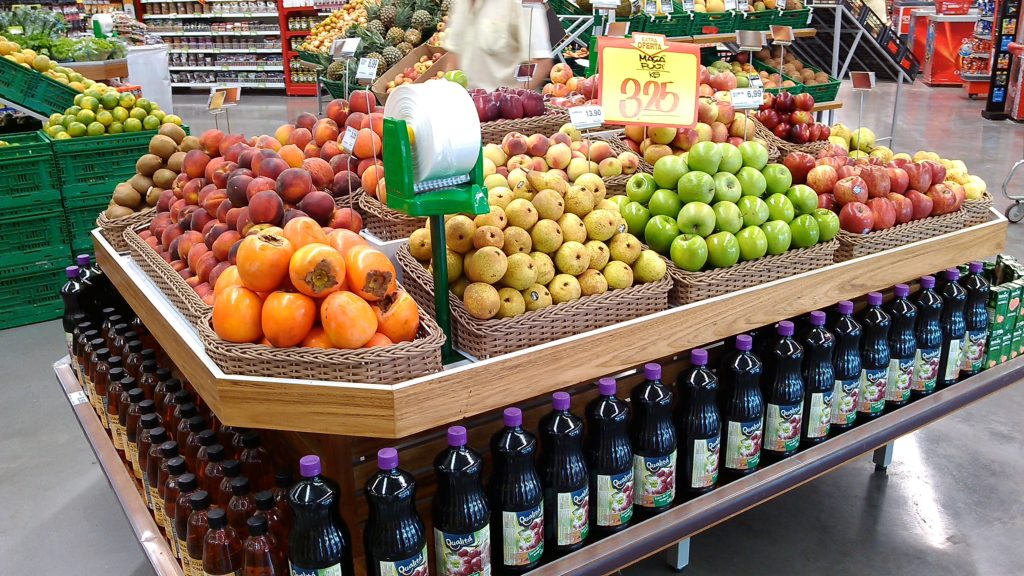 Banca de mesa frutas nobres