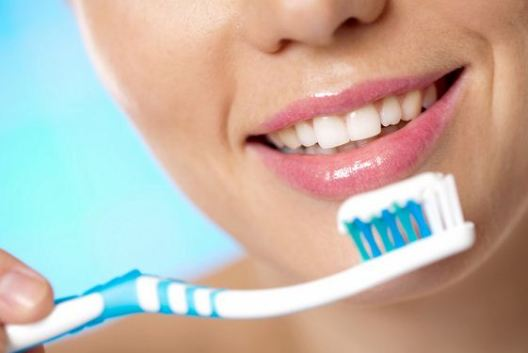 Resultado de imagen para brush your teeth twice