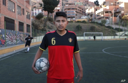 AAmateur soccer player Aldair Hermoso poses for a portrait on the field La Paz, Bolivia, Sept. 24, 2019.