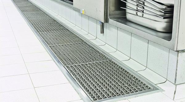ACO  Drenaje de agua y tratatamiento de grasa en cocina