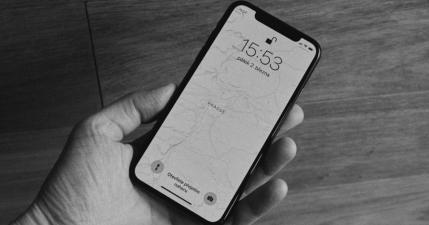 iPhone XS 傳出災情,國外出現 4G 與 Wi-Fi 收訊不佳