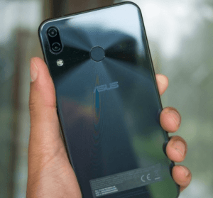 ASUS Zenfone 6 原型機照片流出,3 款不同設計曝光