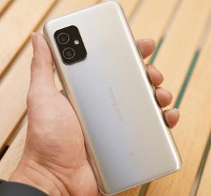 開箱 Zenfone 8 市場唯一大電量「小手機」為單手操作而生的高效旗艦機 ( 文末有購機專屬優惠 )