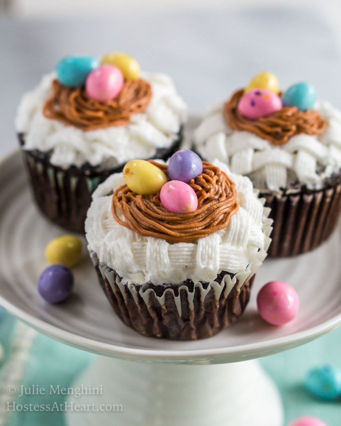Learning how to create basketweave cupcakes with bird nests is not difficult. It only uses two decorating tips and is perfect for Spring or Easter. | HostessAtHeart.com