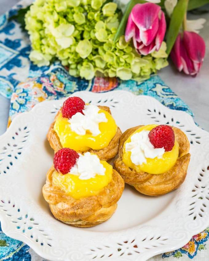 Puff Pastry Baskets with Creamy Lemon Filling are the perfect way to welcome in Spring. They are perfect for a sunny brunch or Easter dinner. | HostessAtHeart.com