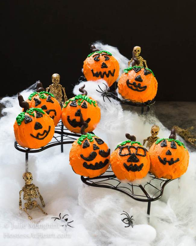 There's nothing scary about making or eating these Old Fashioned Cocoa Cake Pumpkins! | HostessAtHeart.com