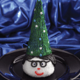 SnoBall® Wizard What you need: 1 Hostess® SnoBall® Chocolate frosting Green frosting (or other desired color) Pastry bag fitted with desired tip Candy eyes Red shoestring licorice Sugar cone Star-shaped […]
