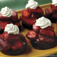 Chocolate Strawberry Shortcakes 1 package (16 ounces) fresh strawberries 1/2 cup sugar 4 Hostess® Ding Dongs® Frozen nondairy whipped topping, thawed or whipped cream Slice strawberries and add sugar; toss […]