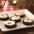 Inside Out S'mores What you need: 2 Hostess Ding Dongs 4 tablespoons marshmallow creme 4 tablespoons graham cracker crumbs (about 4 small squares) Using a serrated knife, carefully slice Ding […]