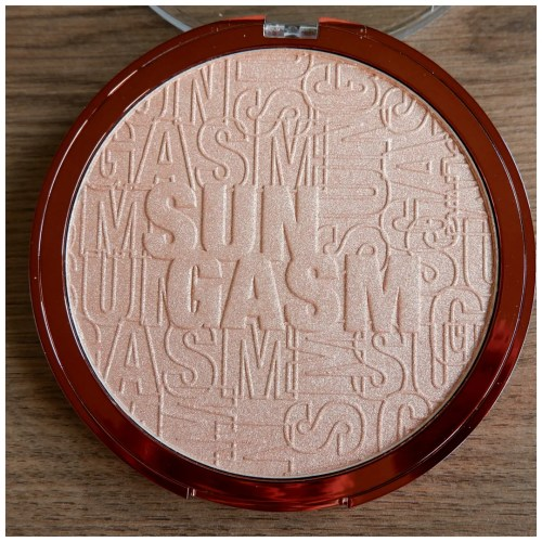catrice sungasm limited edition collection review swatch bronzer primer highlighter setting spray