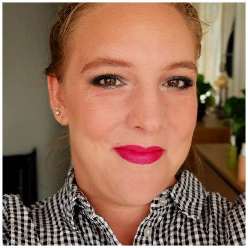 Colourpop Catch My Vibe blush review swatch Making Mauves makeup look application fair skin dry skin