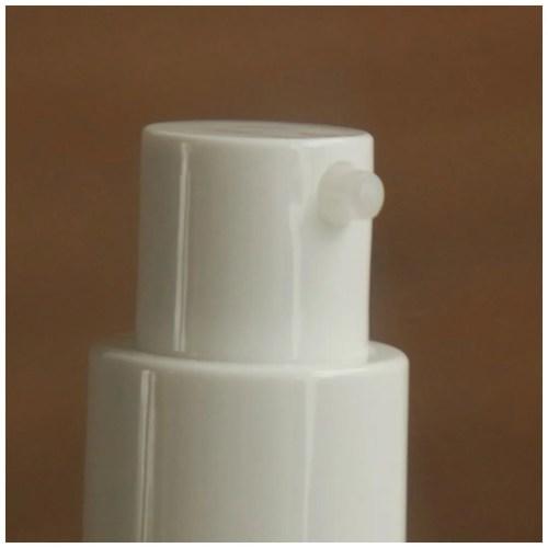 Colourpop pretty fresh foundation tinted moisturizer review swatch makeup application dry skin fair skin