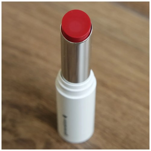 Glossier Generation G lipstick crush review swatch makeup look fair skin