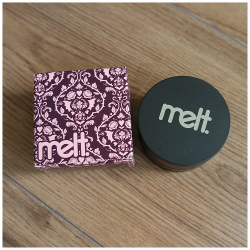 melt she's in parties stack eyeshadow palette review swatch make up look fair skin