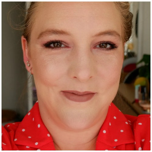 makeup revolution coconut dream hydrating face primer review swatch dry skin pale skin