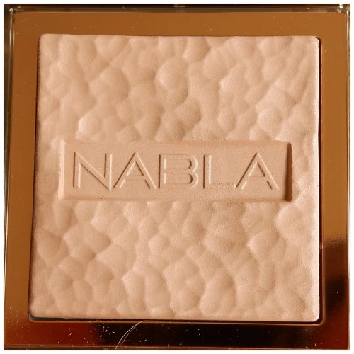 nabla skin glazing bronzing bronzer review swatch makeup look application ambra fair skin