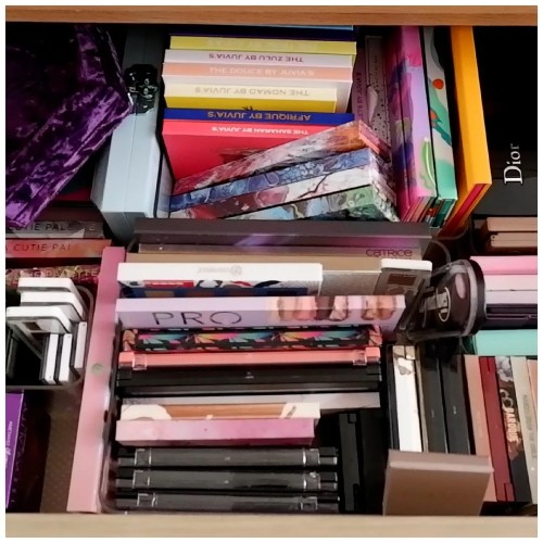 makeup collection declutter 2021 eyeshadow palettes
