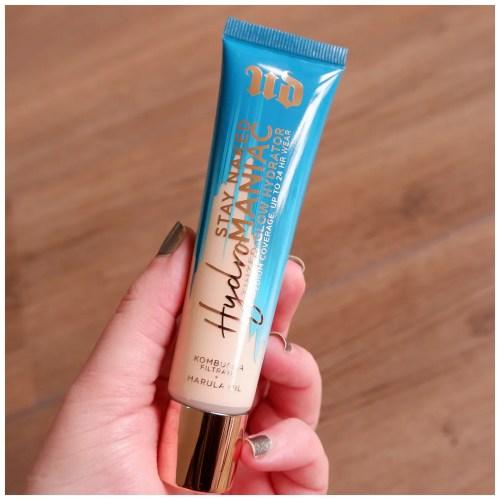 urban decay hydromaniac foundation tinted glow hydrator 10 ultra fair fair skin dry skin review swatch application makeup look