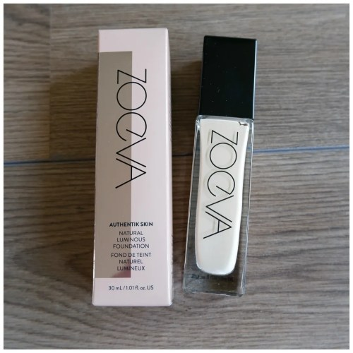 Zoeva Authentik Skin foundation review swatch makeup look fair skin dry skin 030N Ambition