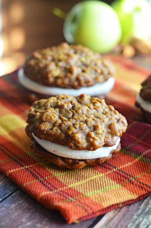 Pumpkin & Apple Cider Oatmeal Creme Pies.  The pumpkin oatmeal cookies will make you swoon by themselves.  With the apple cider creme?  Oh, words cannot express that level of fall deliciousness.   hostthetoast.com