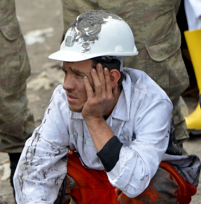 coal-mine-fire-in-turkey-11