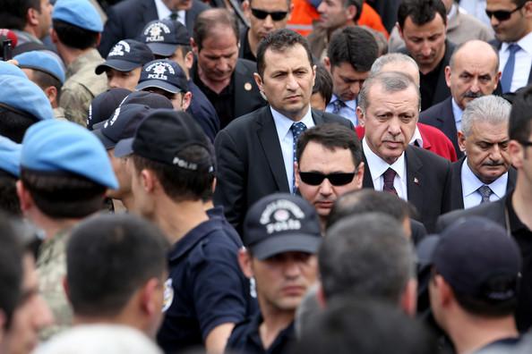 Tayyip+Erdogan+200+Miners+Trapped+Underground+sLBNXG6FYrvl