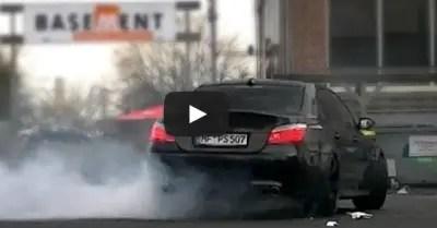BMW M5 BURNING RUBBER