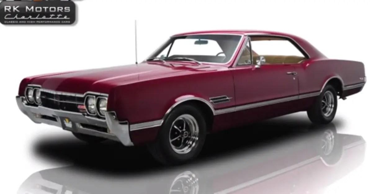 1966 Oldsmobile Cutlass 442 american muscle car