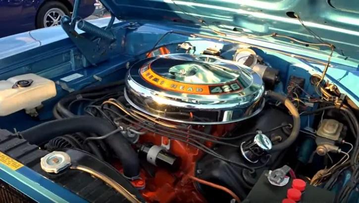 restored b5 blue 1968 dodge hemi charger 4-speed