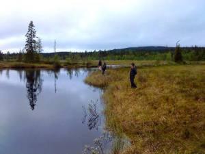 Fiske med Hotagenkortet i Hotagsbygden. Foto Anki Hallqvist