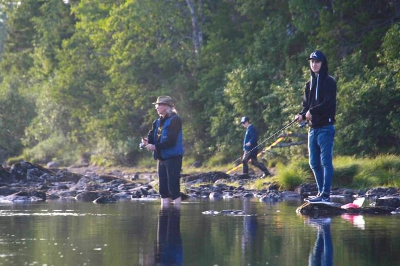 Fiskeutflykt med familjen. Foto Anki Hallqvist