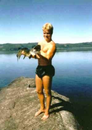 Fiske i Hotagsbygden med Hotagenkortet. Foto Maritha Grelsson