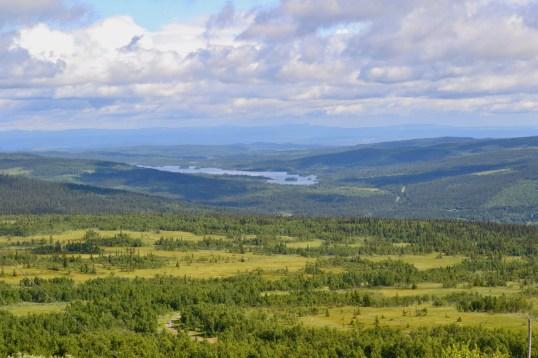 Sjön och byn Bakvattnet. Foto LakeHouse Media