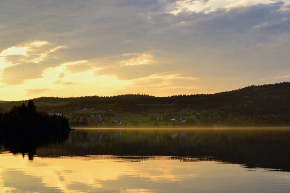 Skymning vid Häggsjön. Foto © Emma Öberg