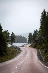 På väg mot sportfiske i Valsjöbyn. Foto Anders Lundin