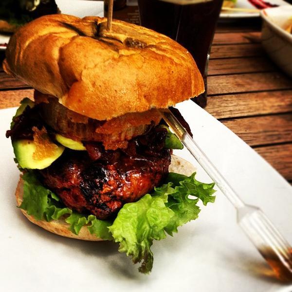 Las hamburguesas en el DF que tienes que probar - hotbook-18