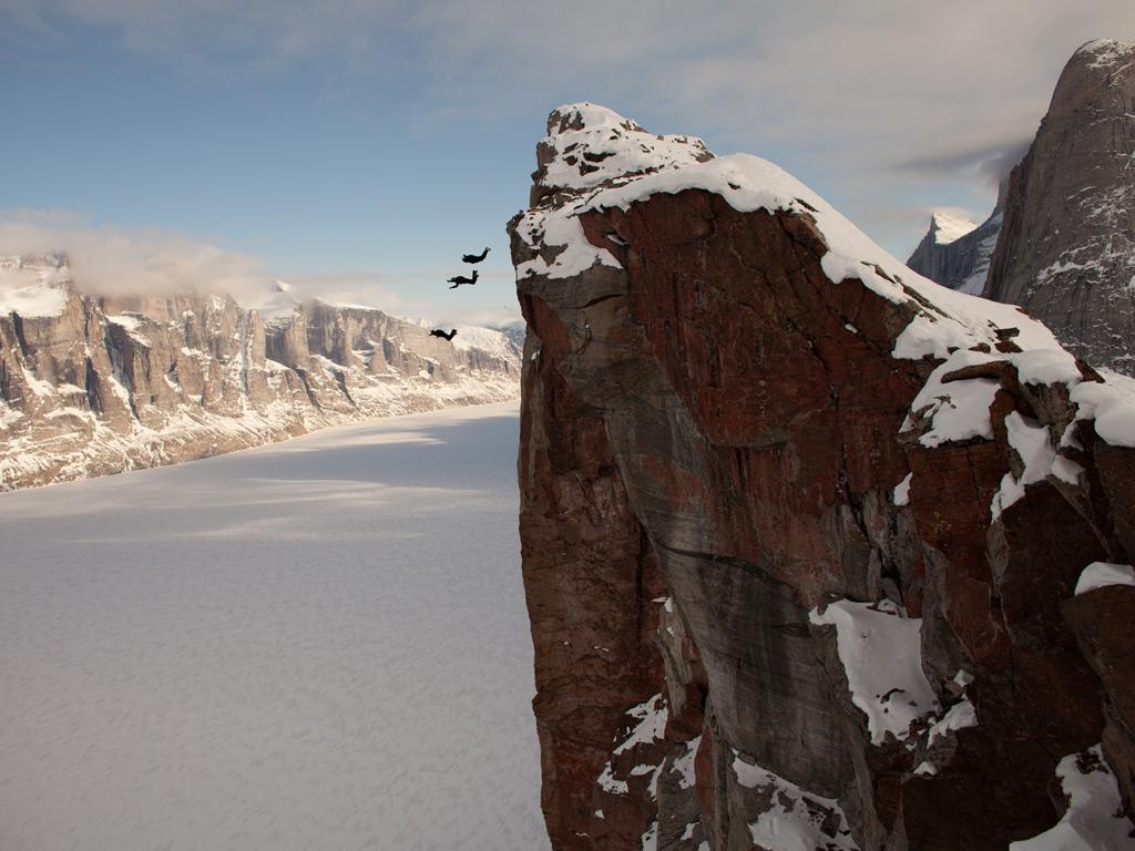 Para los adictos a la adrenalina - Arctic BASE Jump