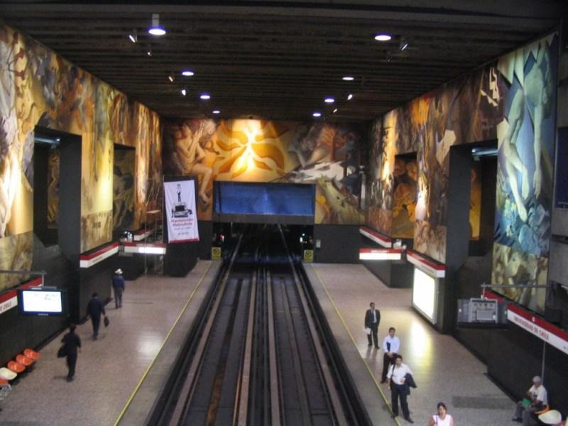 No es la típica estación de metro  - hotbook-412-1024x768