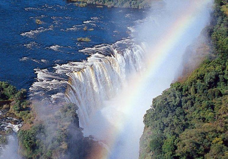 namibia-tours-safaris.com