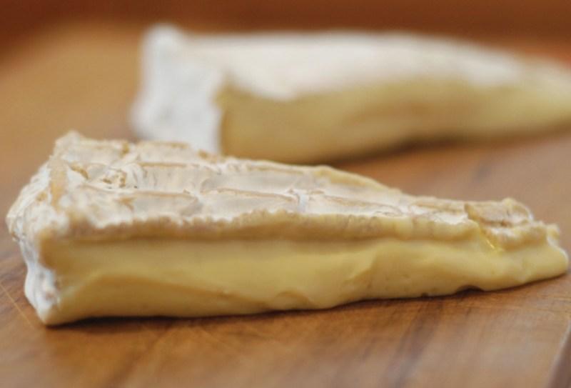 Los 5 mejores quesos de Francia by Guy Le Petit Gourmand - brie-1024x696